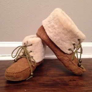 Coach Cailyn Shearling Moccasin Boot 9
